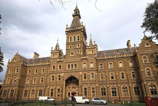 墨尔本皇后学院